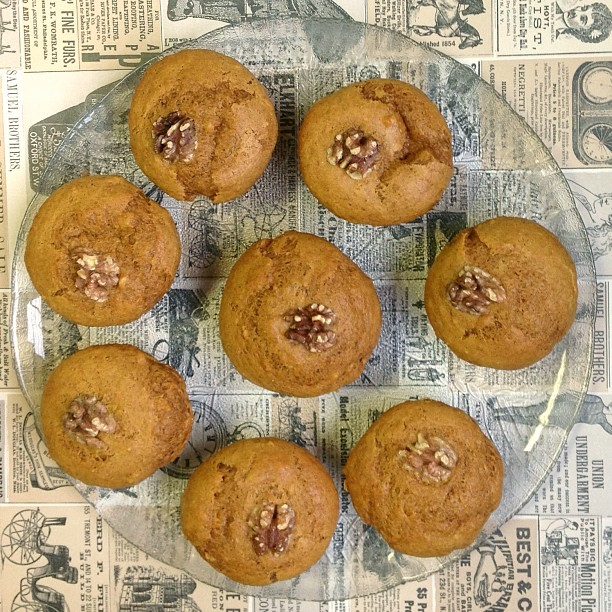 vegan pumpkin walnut muffins