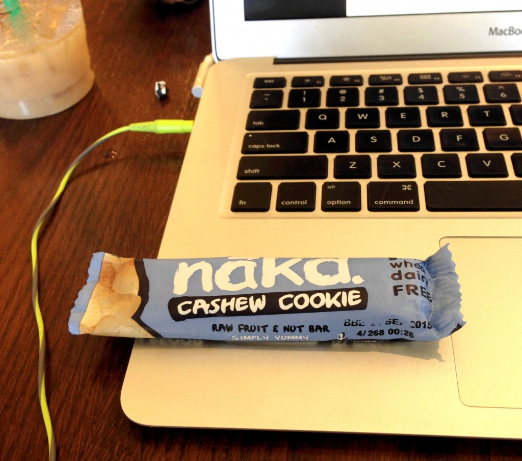 nakd snack bar cashew cookie